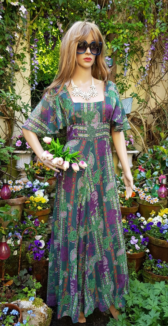 Gorgeous Vintage 1970s Floaty Green, Purple and R… - image 3