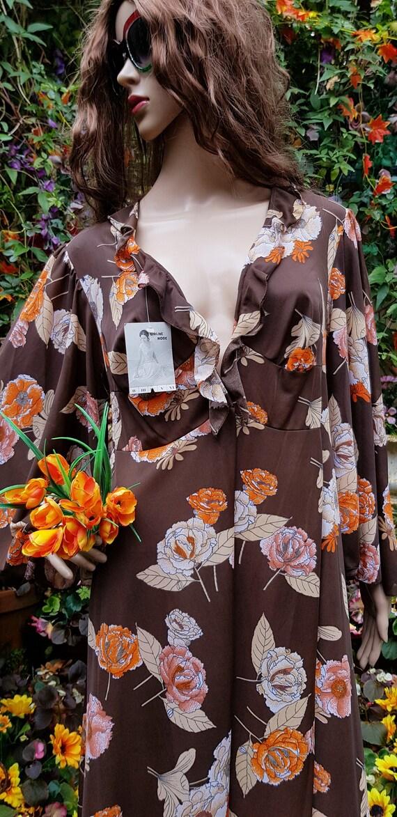 Funky Vintage 1970s Brown & Orange Floral Print L… - image 4