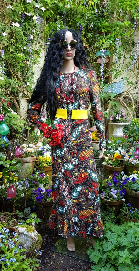 Gorgeous Vintage 1970s Psychedelic Black, Red and… - image 2