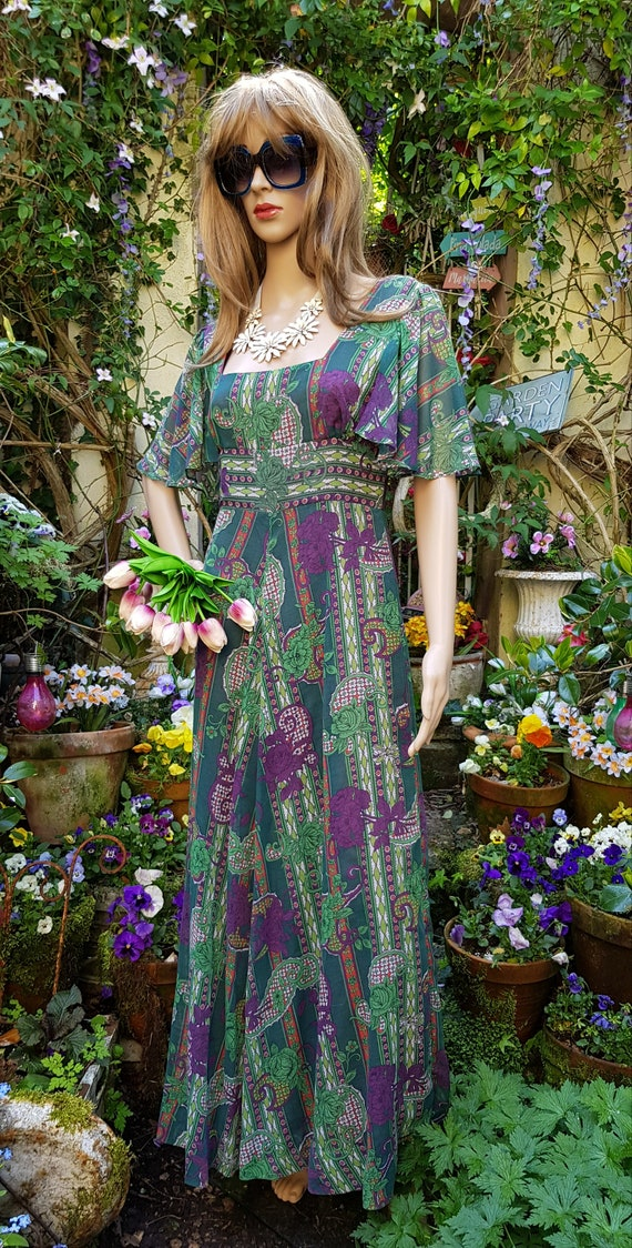 Gorgeous Vintage 1970s Floaty Green, Purple and R… - image 5