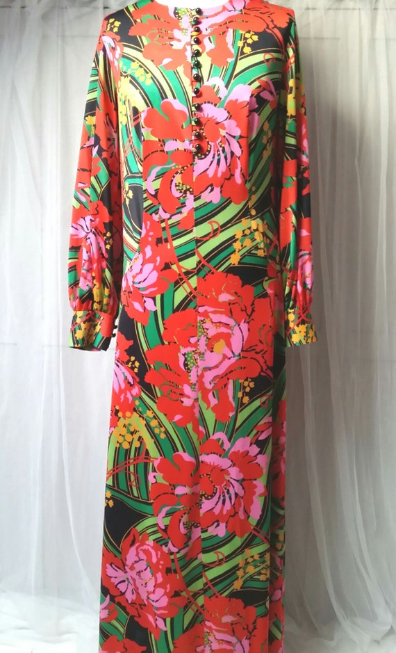 Gorgeous Vintage 1970s Psychedelic Red, Pink and … - image 10