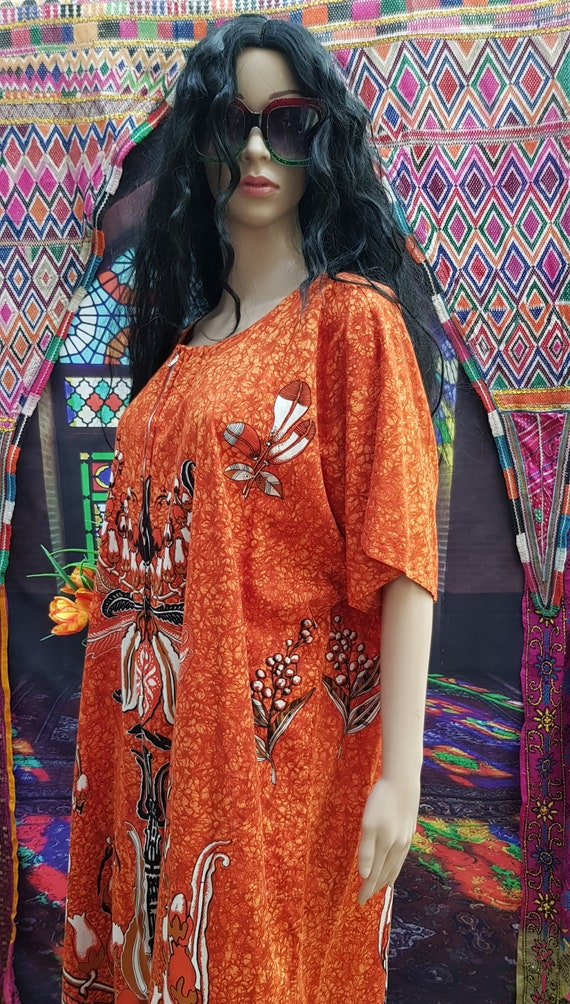 Fab Vintage 1970s/1980s Plus Size Orange Batik Ka… - image 8