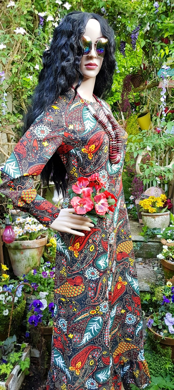 Gorgeous Vintage 1970s Psychedelic Black, Red and… - image 7