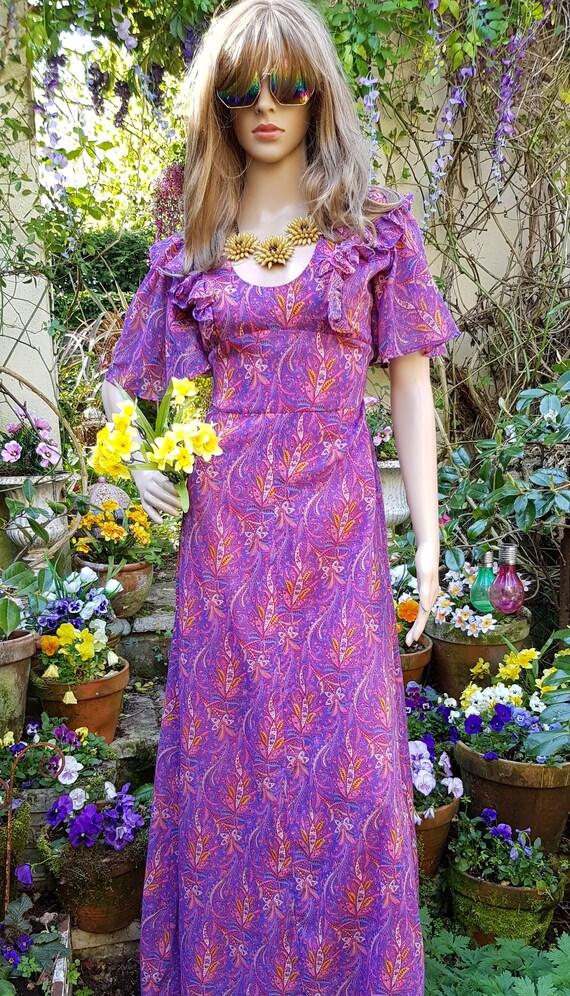 Gorgeous Vintage 1970s Purple, Pink and Orange Pai