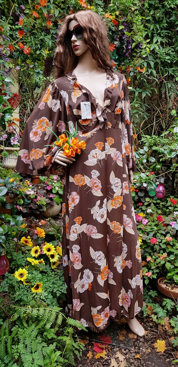 Funky Vintage 1970s Brown & Orange Floral Print L… - image 2