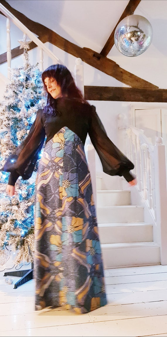Iconic Vintage 1960s/70s Blue, Gold and Black Psyc