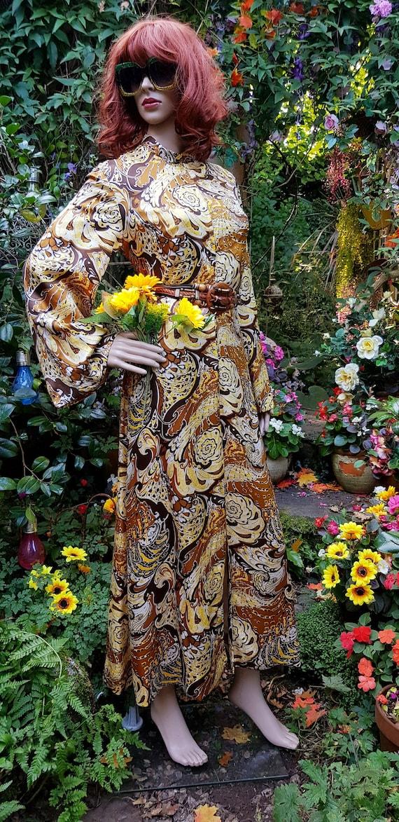 Stunning Vintage 1960s/70s Pure Silk Brown, Cream