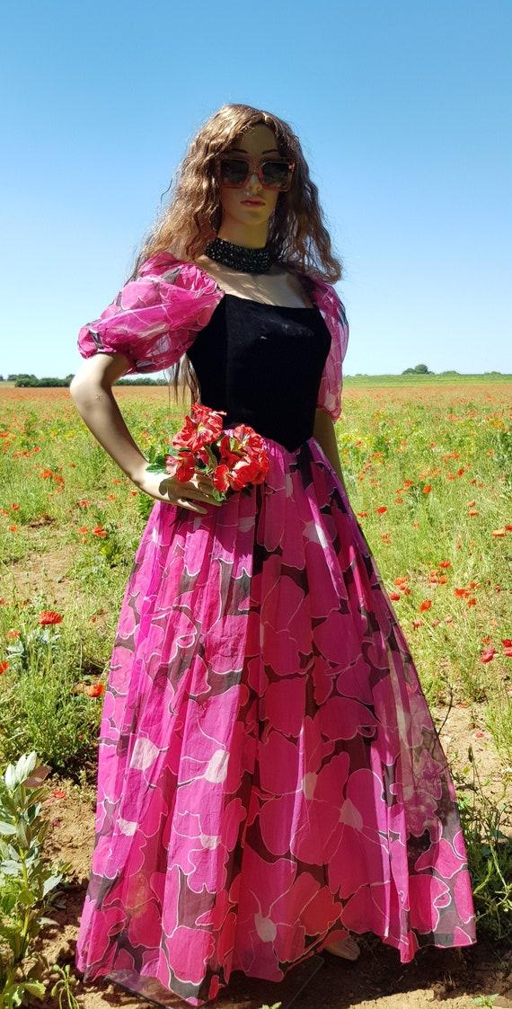 Stunning Vintage 1980s Bellville Sassoon Pink Flor