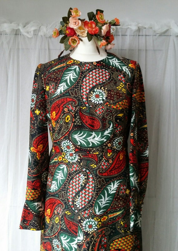 Gorgeous Vintage 1970s Psychedelic Black, Red and