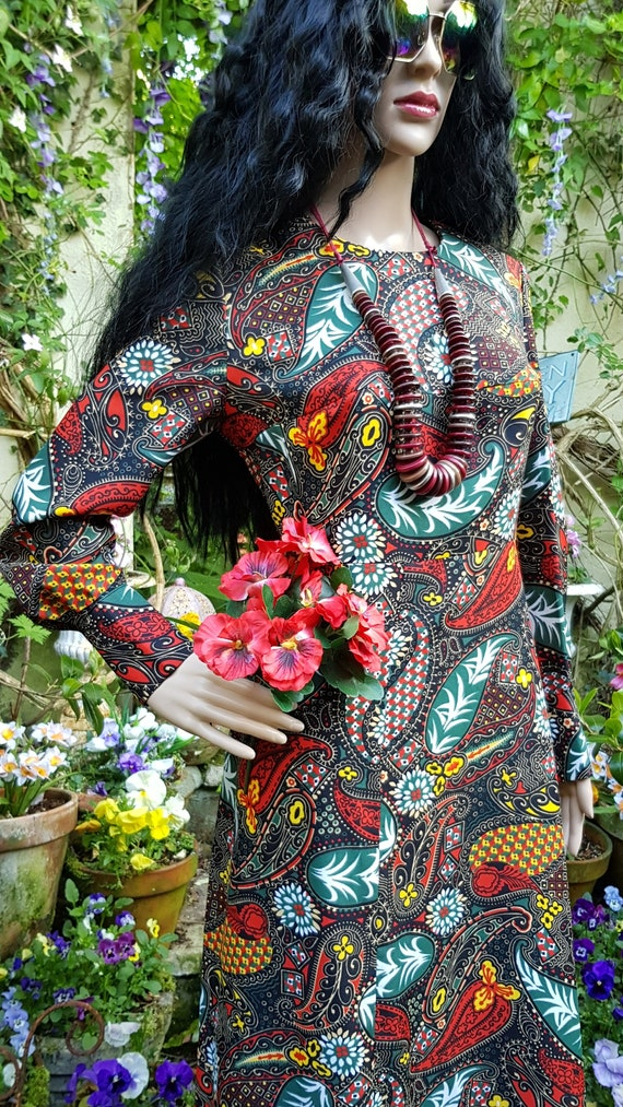 Gorgeous Vintage 1970s Psychedelic Black, Red and… - image 6