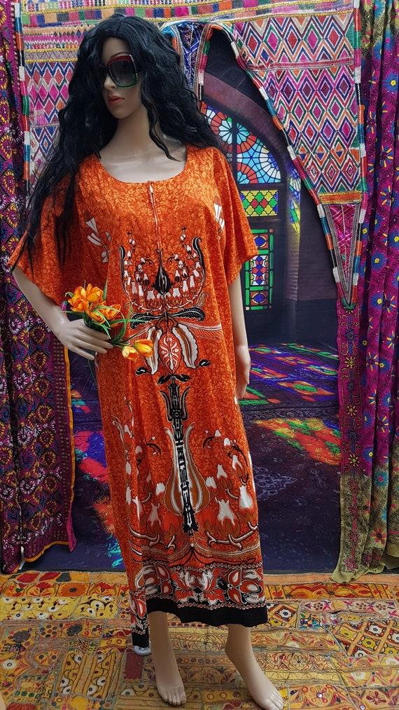 Fab Vintage 1970s/1980s Plus Size Orange Batik Ka… - image 3