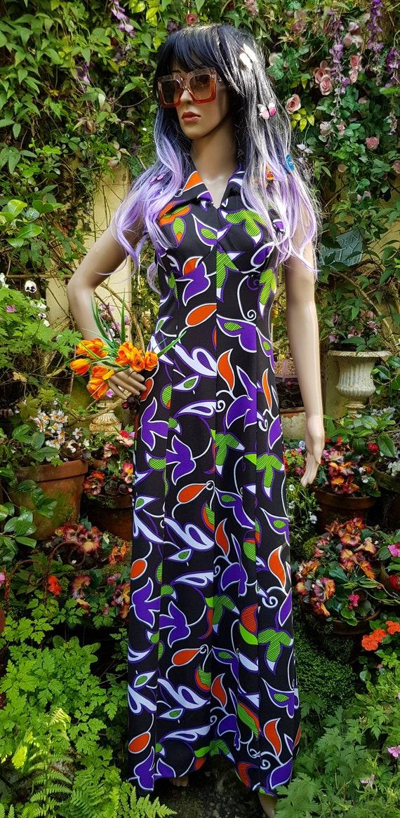 Gorgeous Vintage 1970s Psychedelic Black Purple, R