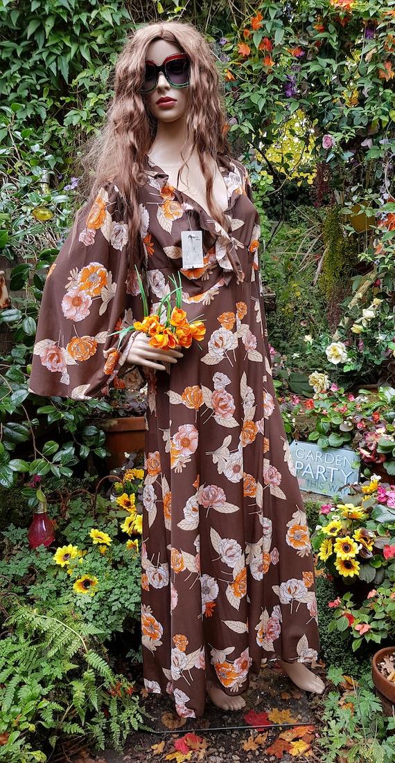 Funky Vintage 1970s Brown & Orange Floral Print L… - image 8