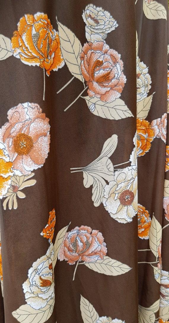 Funky Vintage 1970s Brown & Orange Floral Print L… - image 6