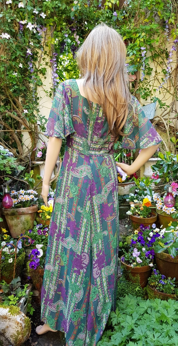 Gorgeous Vintage 1970s Floaty Green, Purple and R… - image 10