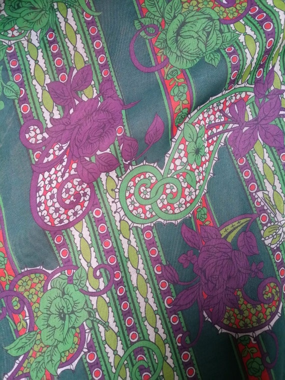 Gorgeous Vintage 1970s Floaty Green, Purple and R… - image 2