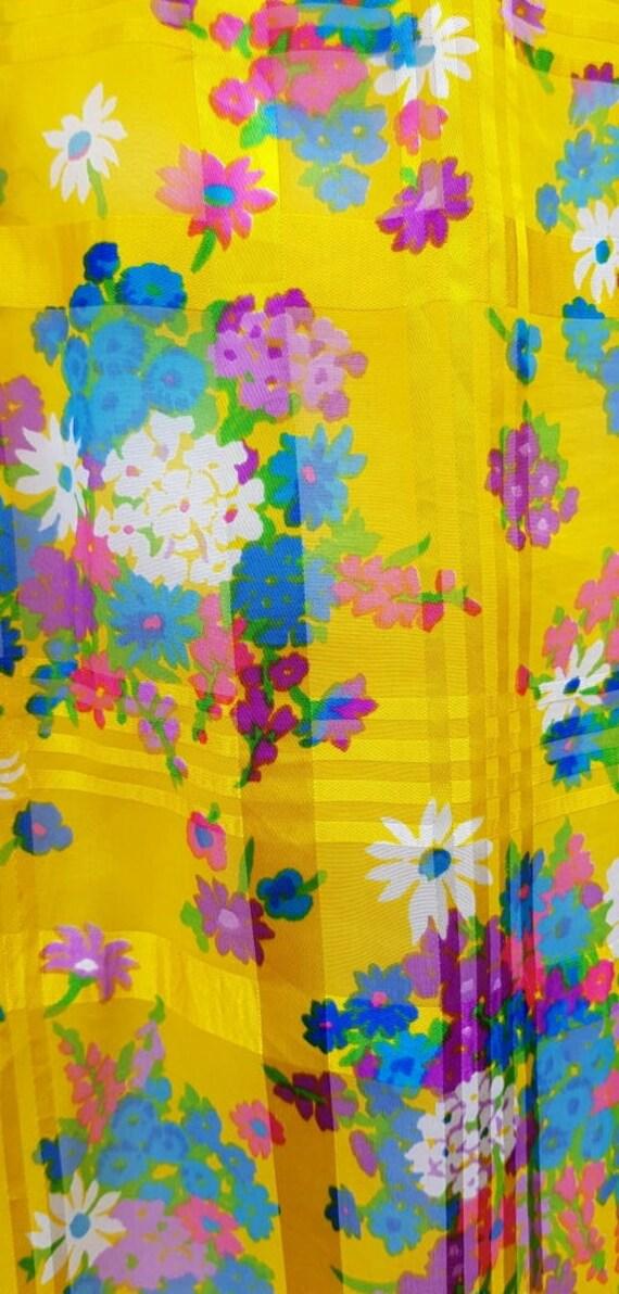 Beautiful Vintage 1970s Yellow Floral Ruffle Sleev