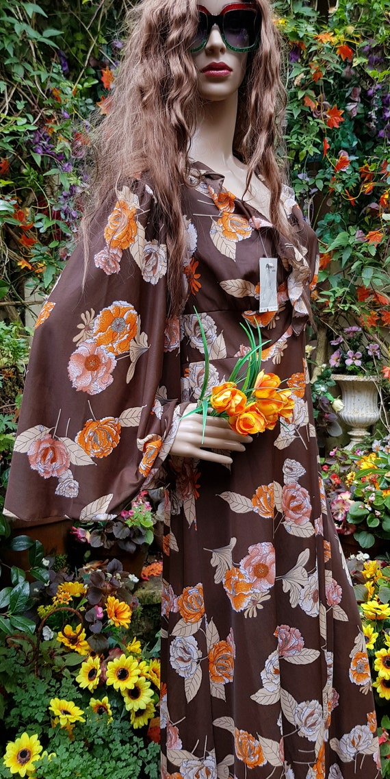 Funky Vintage 1970s Brown & Orange Floral Print L… - image 7