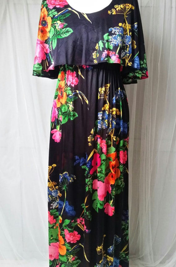 Stunning Vintage 1970s Black, Pink, Red, Green and