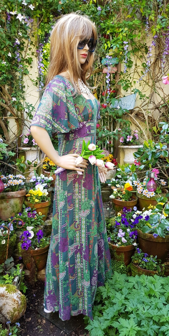 Gorgeous Vintage 1970s Floaty Green, Purple and R… - image 8