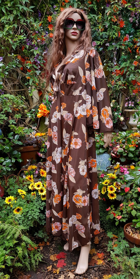Funky Vintage 1970s Brown & Orange Floral Print Lo