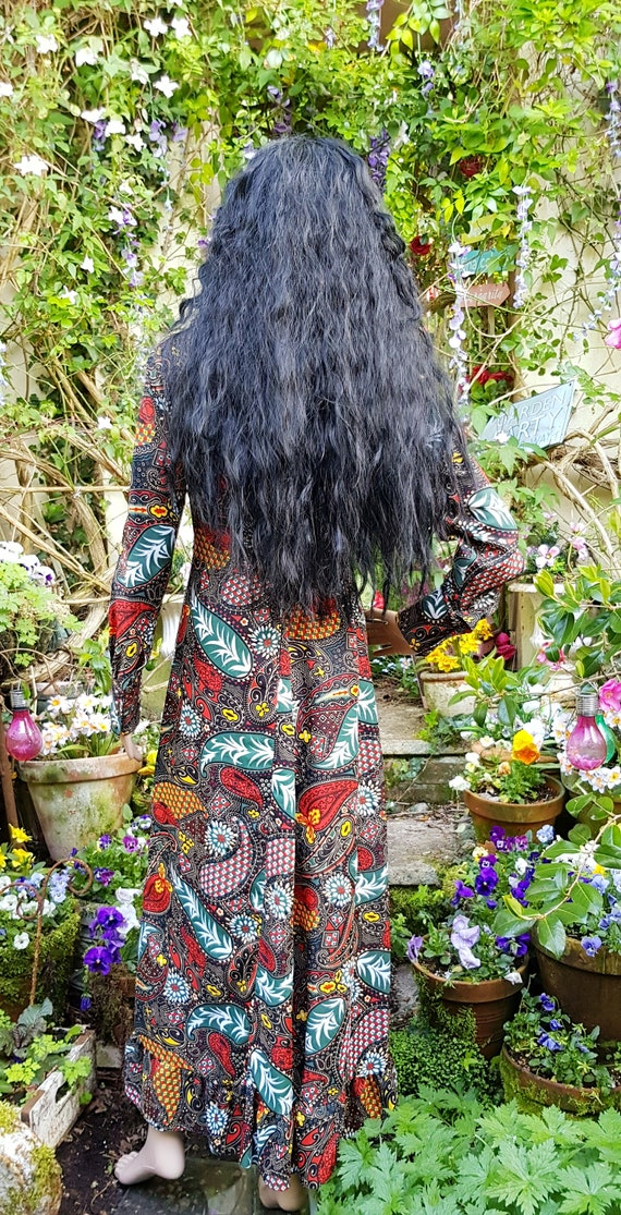 Gorgeous Vintage 1970s Psychedelic Black, Red and… - image 10