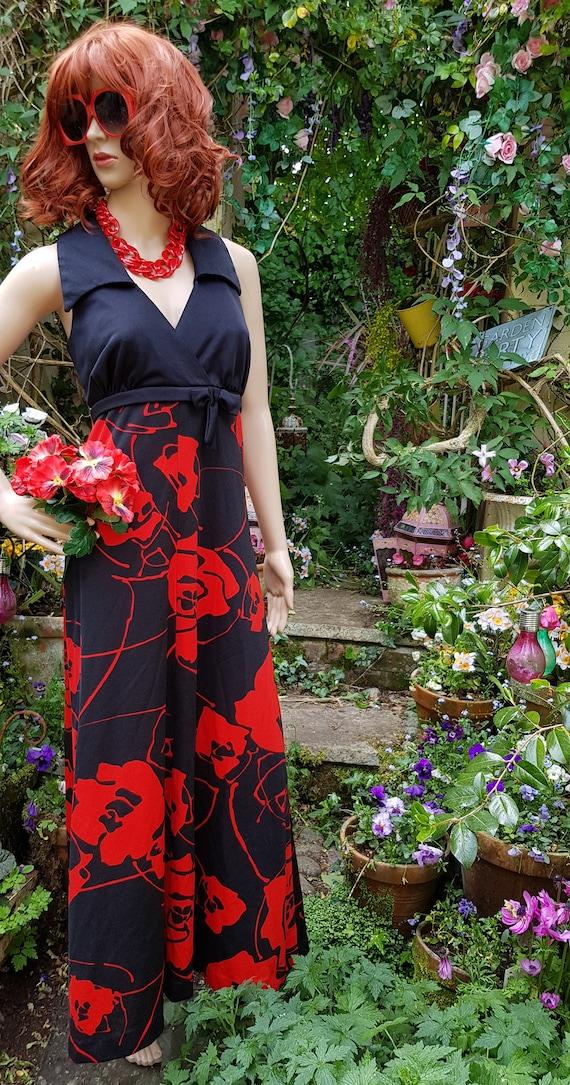 Stunning Vintage 1970s Tina Warren Black Red Flow… - image 9