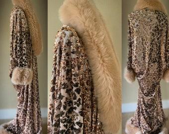Old Hollywood style -Velvet robe-faux fur collar, 1920s glamour-Beautiful black velvet - reversible sequin-velvet-Wedding-Burlesque-Luxury.