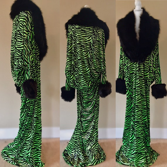 Velvet robe-1920s style-Old Hollywood Glamour-bridal-gift for her-faux fur collar.