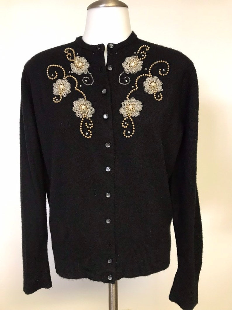 Vintage  Retro 50/'s  60/'s Fully Fashioned by Donwood Donspun Orlon Pearl Floral Beaded Black /& White Pearl Button Down Sweater Cardigan