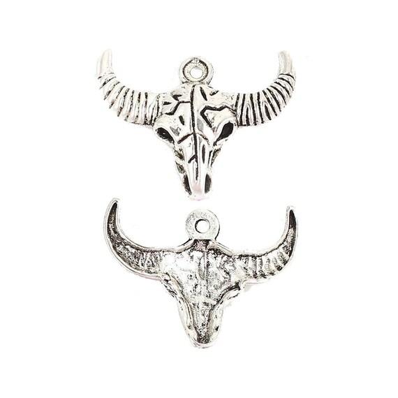 10 x Tibetan Silver Tone Bull Head Charms Pendants Beads For Jewellery Making
