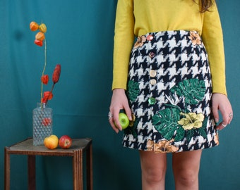 Crocus. Sewing pattern, side-buttoned skirt, front and back pliers - beginner - FRANCAIS/ENGLISH