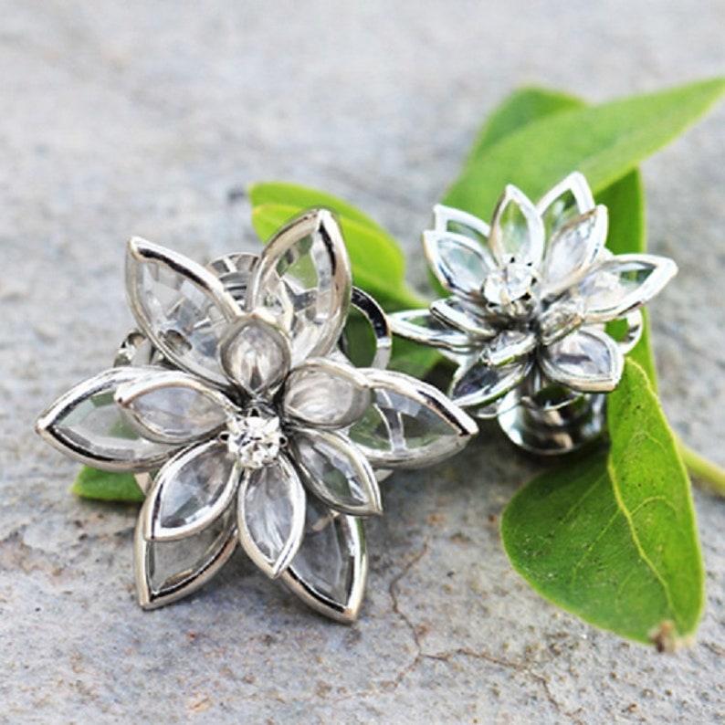 DyaniJewel Crystal Flower Screw Fit Plug