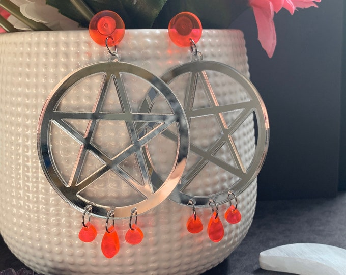 9 Color Ways! Laser Cut Statement Earrings / Bright Stars Collection style Regulus / Lightweight / Pentagram