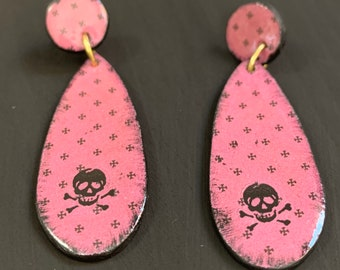 Mixed Media Earrings | Spooky Jewelry | Perfect For Halloween | Statement Earrings | Gift for Her | Skull And Crossbones