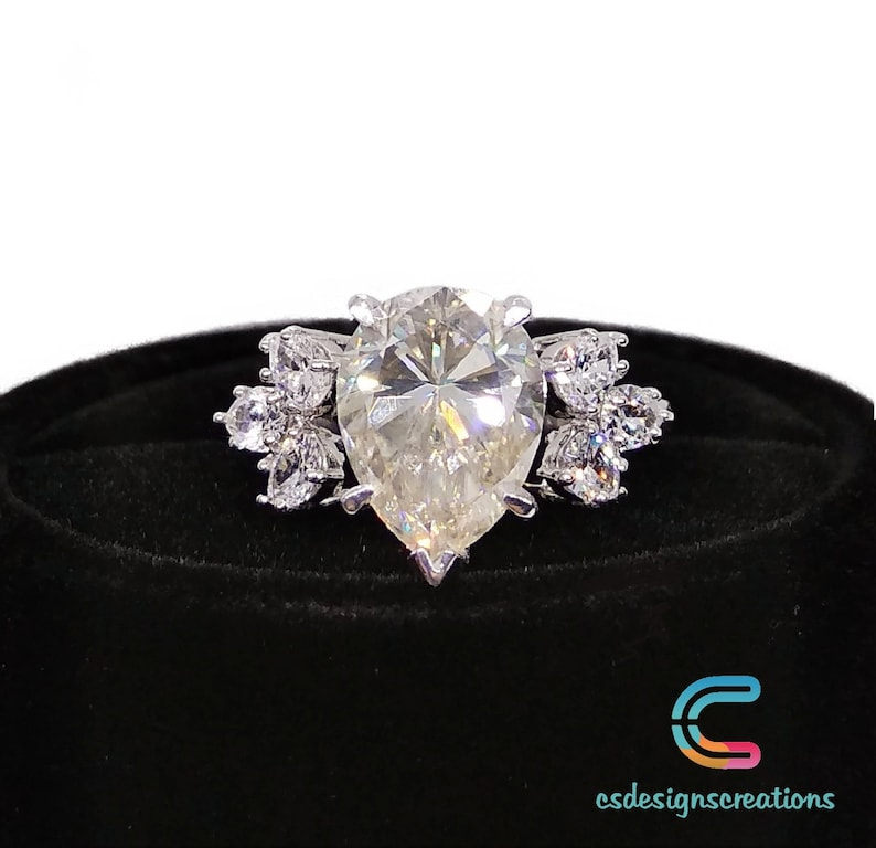 Beautiful 3.19 CT Pear Cut Solitaire Engagement Wedding Ring 925 Sterling Silver Flower Ring Natural Inspired Anniversary Ring