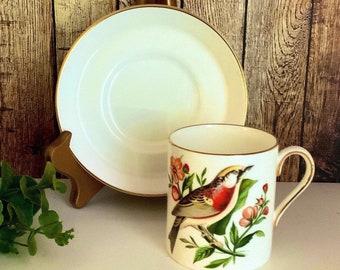 4929A Green Bird of Paradise Vintage ROYAL CHELSEA  Evergreen English Bone China Tea Cup /& Saucer