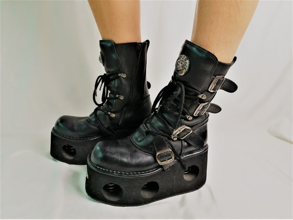High platform boots / Chunky Boots / Black leather