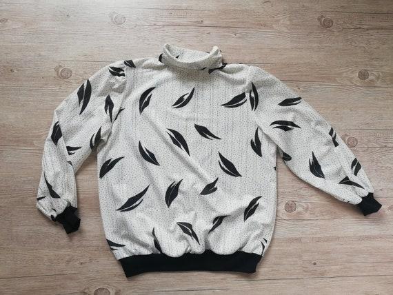 Vintage 80s Polka dot Blouse Shirt Top / White Bla