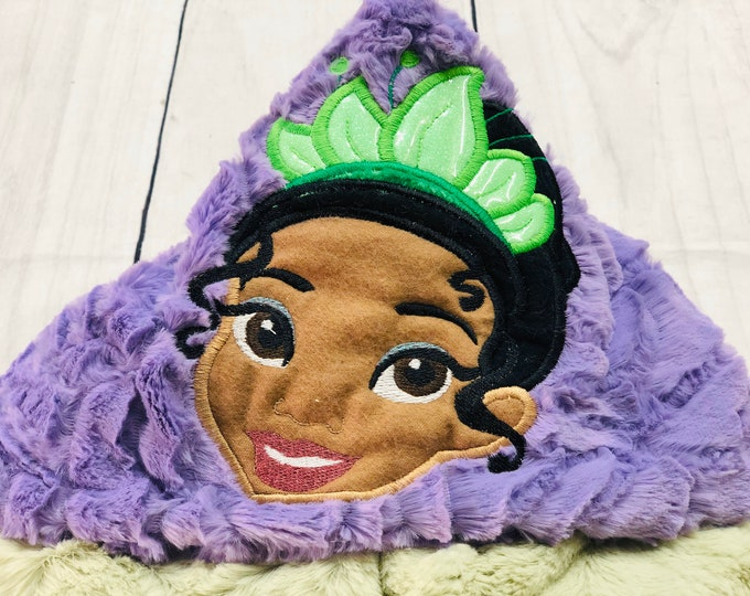 Tiana (Princess and the Frog) Hooded Blankets (+ FREE NAME EMBROIDERY)