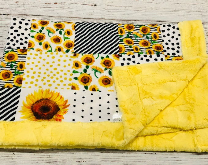 Sunflower Minky Blankets & Bedding (+ FREE NAME EMBROIDERY)