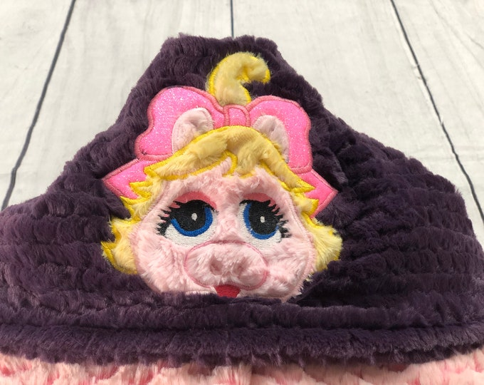 Miss. Piggy Hooded Minky Blankets (+ FREE NAME EMBROIDERY)