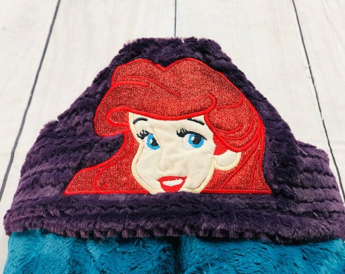 Mermaid Hooded Blankets (+ FREE NAME EMBROIDERY)