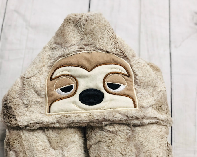 Sloth Minky Hooded Blankets (+ FREE NAME EMBROIDERY)