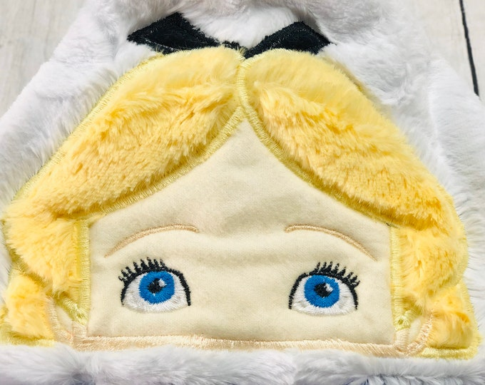 Alice In Wonderland Hooded Blankets (+ FREE NAME EMBROIDERY)