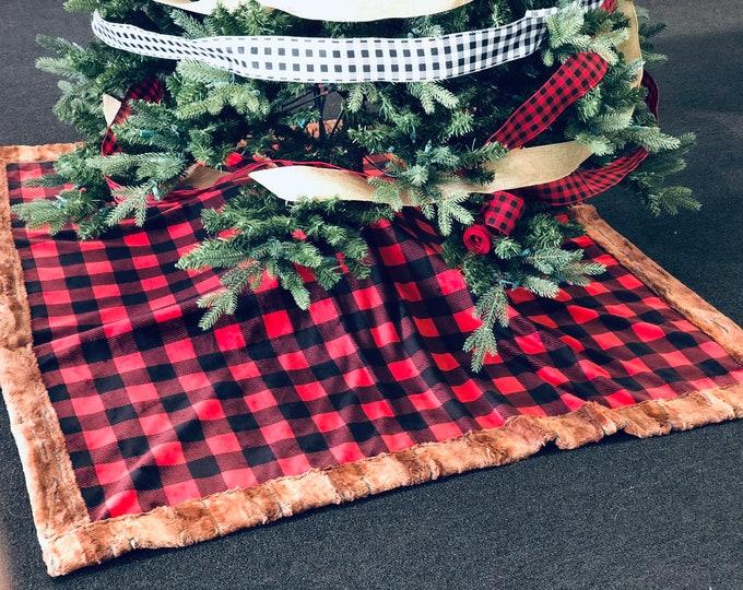 Buffalo Plaid Tree Skirts (++ FREE NAME EMBROIDERY++)
