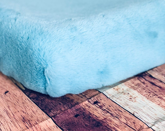 Changing Pad Covers-Aqua Seal
