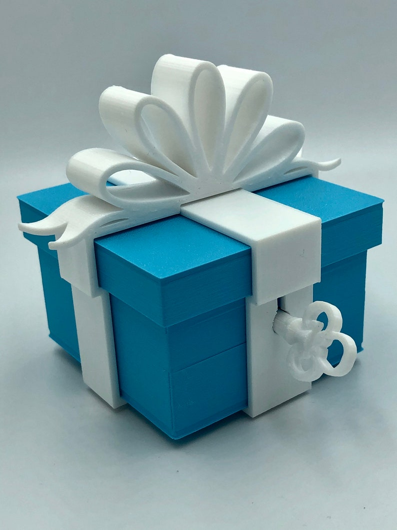 Lockable Christmas Gift Box Tree Decoration image 0