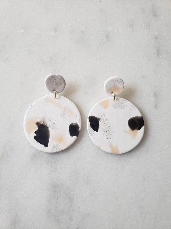 Daisy earrings;  Handmade clay earrings; Neutral earrings