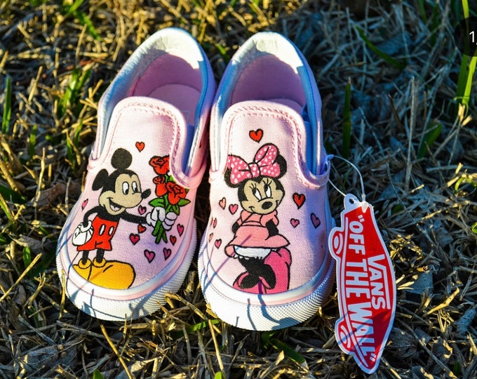 Mickey & Minnie Love Vans